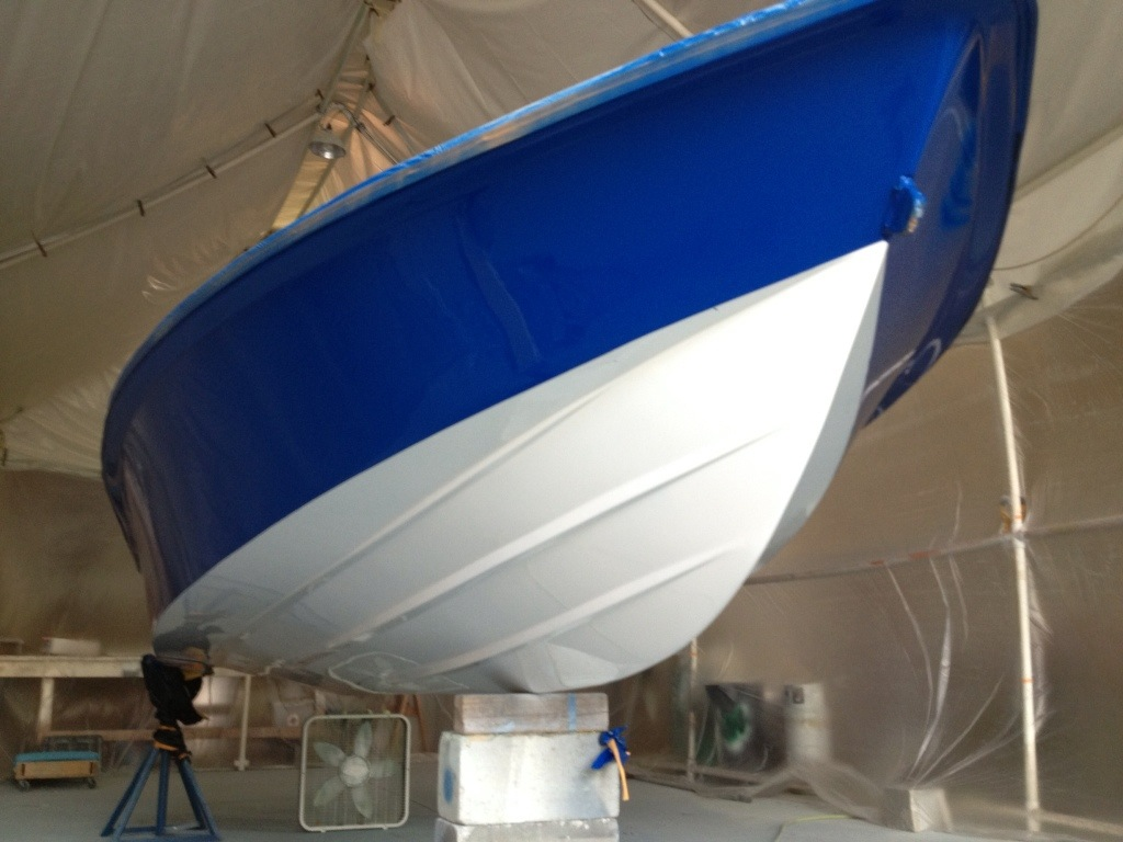 New awlcraft paint job navy blue and snow white on a maverick flats boat brands marine custom for Painting aluminum boat interior