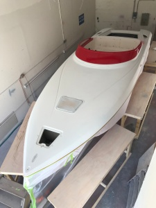 boat painting, donzi, custom, fiberglass, red, white. awlgrip